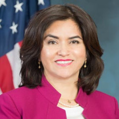 Lourdes Ramirez headshot